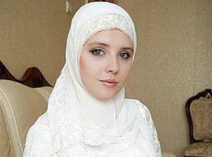 """Маша Алалыкина, участница """"Фабрики звезд"""", приняла Ислам"""