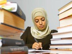 Можно ли разрешить в Российских школах носить хиджаб?